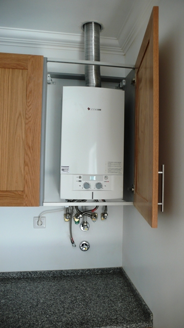 Pre installation of a condensing gas boiler the castelo for Kitchen boiler cupboard
