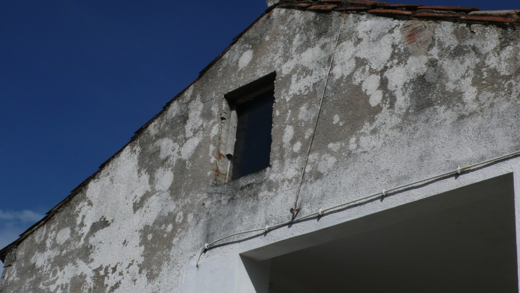 Painting exterior walls the paint has worn off